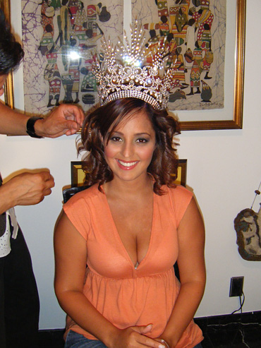 Reigning Queen, Vivian Perez, prepares for the news conference