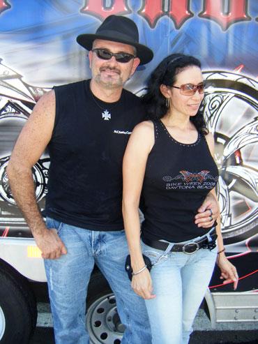Armindo with fan, Claudia